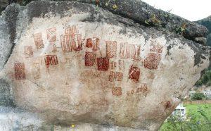 """""""Piedra del cementerio"""" Cultura muisca, Sutatausa (Cundinamarca). Fotografía: Diego Martínez"""