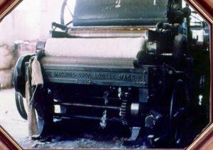 Carda de finales del siglo XIX, todavía en uso a comienzo de la década de 1980. Fotografía del Museo del Algodón y Fábricas de San José de Suaita
