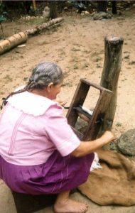 El molino de despepar que utilizaba Mercedes Silva en 1981. Fotografía: Beatríz Bayona
