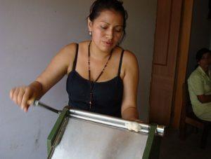 Un moderno molino para el desmote del algodón, rejuvenece el antiguo molino de despepar. Yadira Vargas